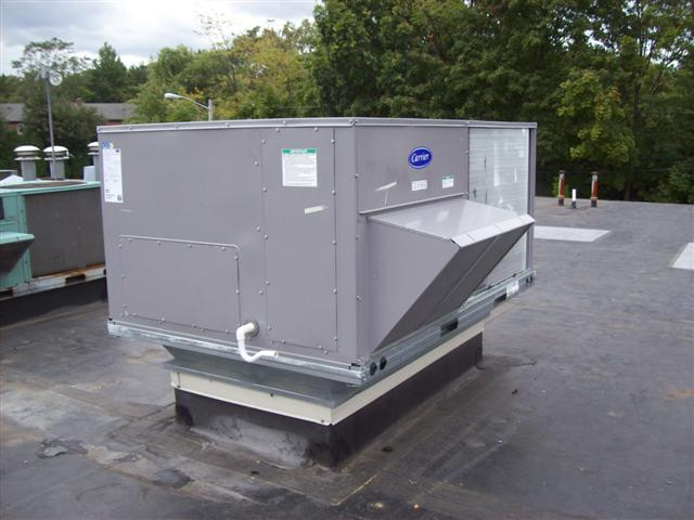 carrier-commercial-rooftop-unit